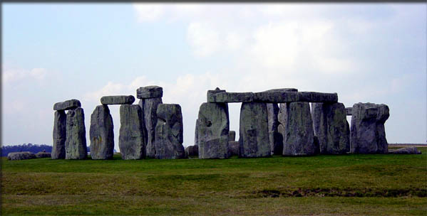 Seven Wonders of the Midieval World - Stonehenge