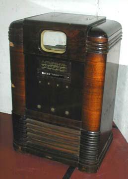 http://www.unmuseum.org/trk9etfcabinetbefore.jpg