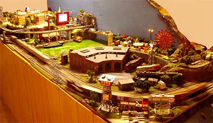 Ho Christmas Train.The Unmuseum Electric Christmas Trains